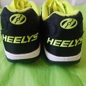 Heelys skate shoes size 7